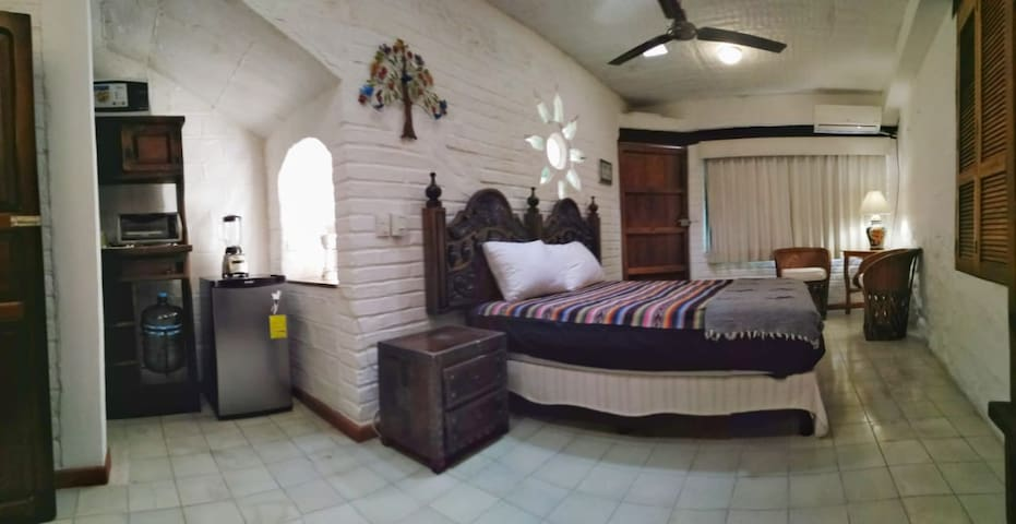 Charming Studio Suite in the Heart of Centro