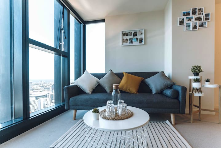 Mel CBD high-rise Apartment With Spectacular View