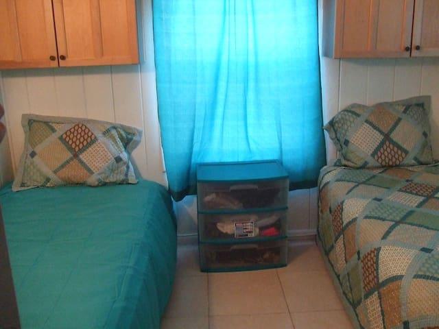 Nestled in Delray Beach FL - Delray Beach - Bed & Breakfast