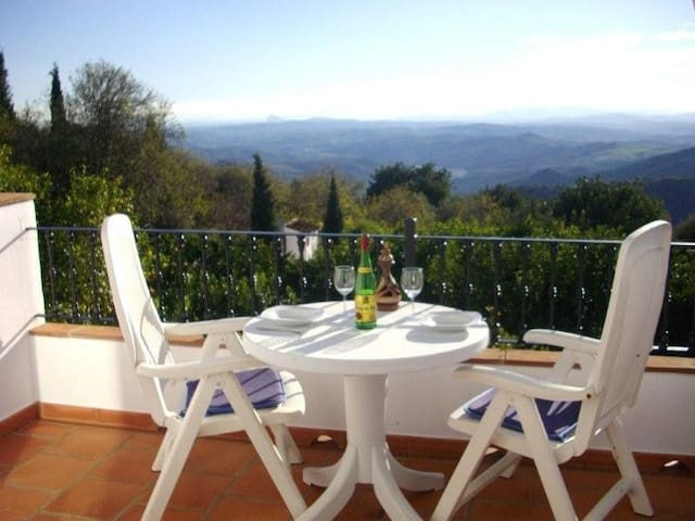 Apt 3 FABULOUS VIEWS, free WIFI - Gaucín - Appartement