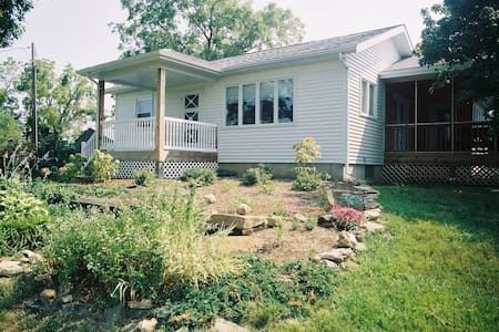 Cottage in Missouri Wine Country - New Haven - Casa