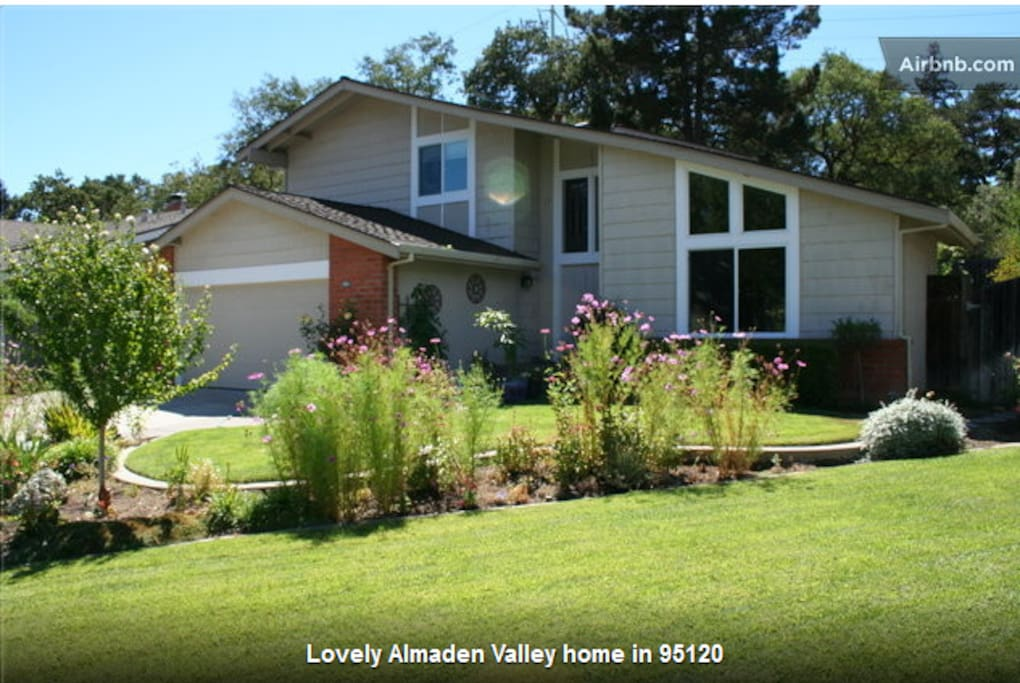 Lovely 4 Bedroom, 3 Bath Home In Alamden