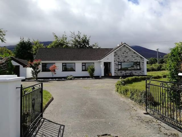 Mountain View. The Vee, Tipperary