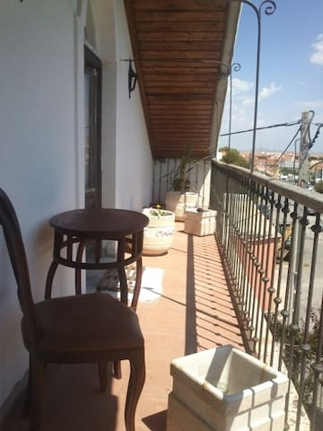 Chalet house | Charneca de Caparica near the beach - Charneca de Caparica - House