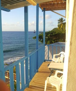 A tropical beach house in Aguadilla - Apartment