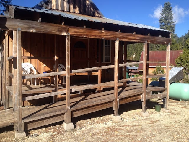 Beautiful one bedroom cabin  - La Porte