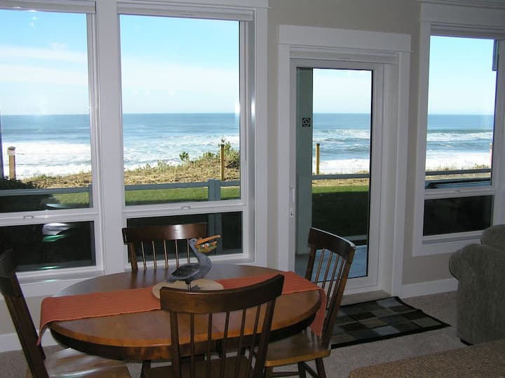 Fair Havens - Oceanfront Condo w/ Private Hot Tub