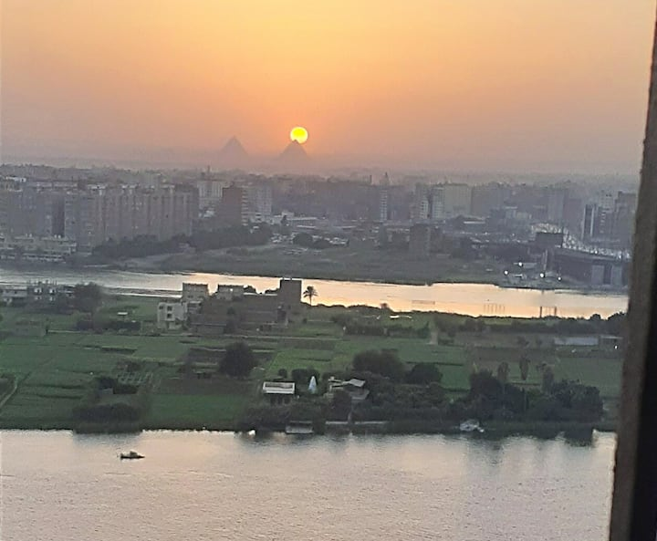 Nice apartment on nile and nice view on pyramids
