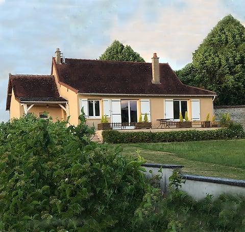 La maison et son jardin sur le Canal de Bourgogne