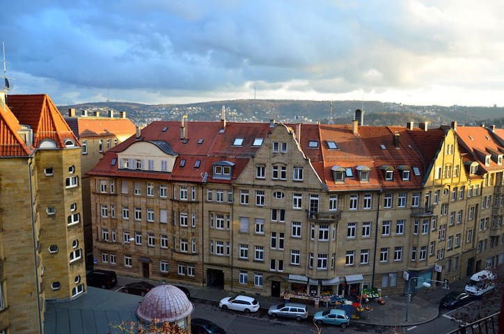 Large room with a nice view - Stuttgart