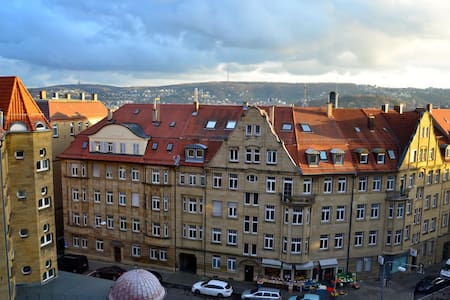 Large room with a nice view - Stuttgart - Wohnung