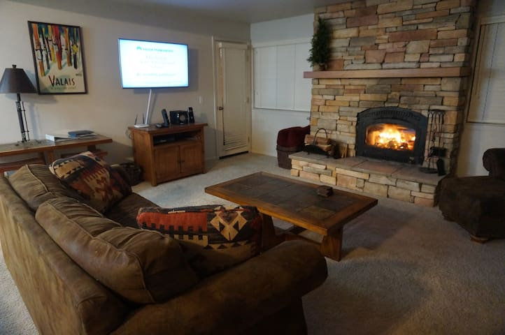 Condo near village - Mammoth Lakes - Dom