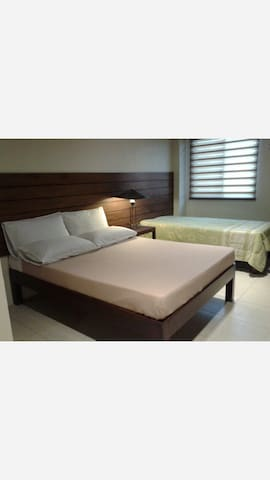 Big Room w/ Balcony on 22nd St 1of4 - Bacolod City - Wohnung