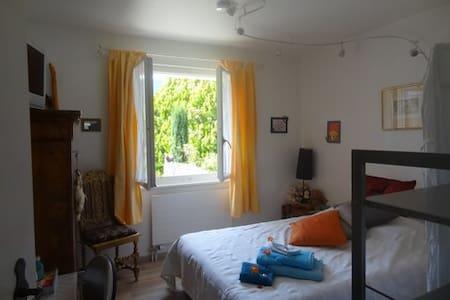 Honney - La Rippe - Bed & Breakfast