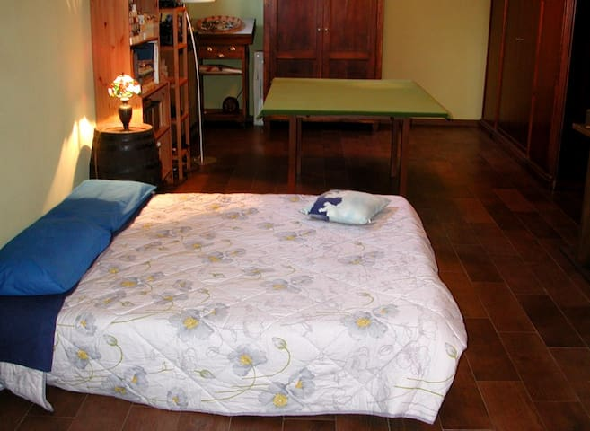 Large room and parking - Buscate - Oda + Kahvaltı