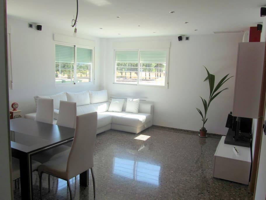 Piso moderno en real departamentos en alquiler en real for Pisos modernos madrid