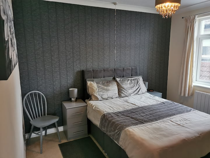 Comfortable Flat 10 Minutes from The Beach