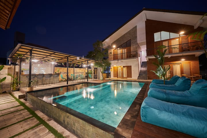 Stunning Room Near Ubud Market - Outdoor Pool!!
