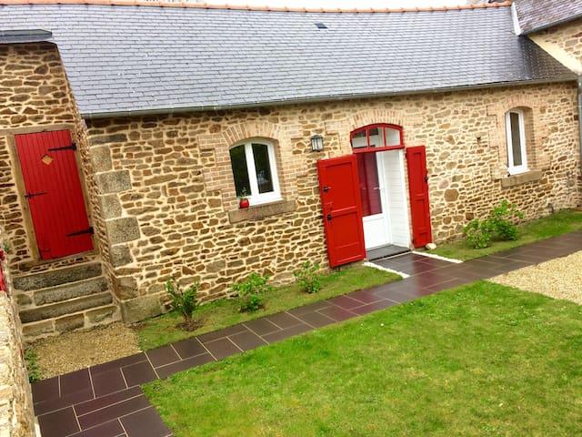 Chambre au style cosy et campagnard - Le Fœil - House