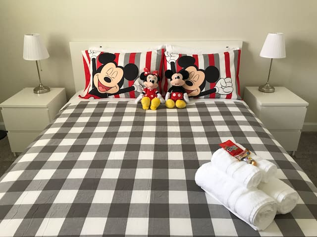 MICKEY'S ROOM / NEAR DISNEY, UNIVERSAL & OUTLET