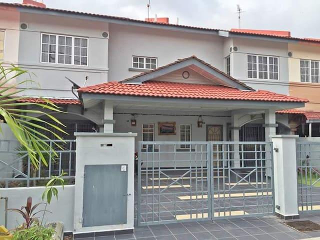 MaG Homestay Melaka ( whastapp + (Phone number hidden by Airbnb)