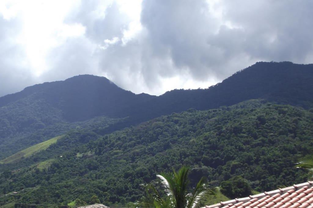 As montanhas do centro da Ilhabela