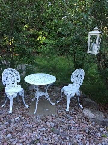 Lovely garden bistro set