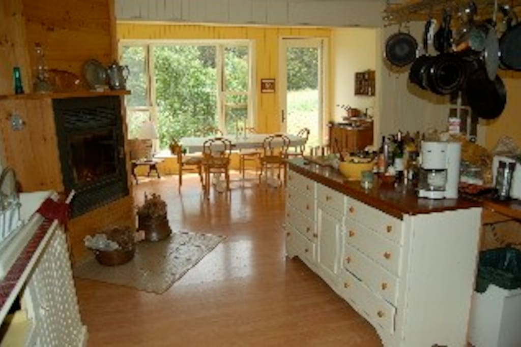 Maison de campagne confortable chalets for rent in mansonville qu bec canada - Canada maison close ...