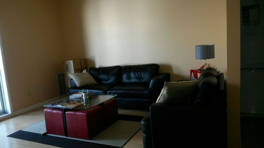 Fabulous  2 bedroom 2 bathrooms - Winnipeg - Apartment
