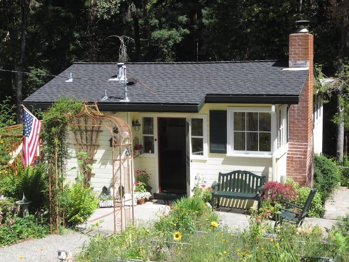 Sunshine Cottage (Lower)