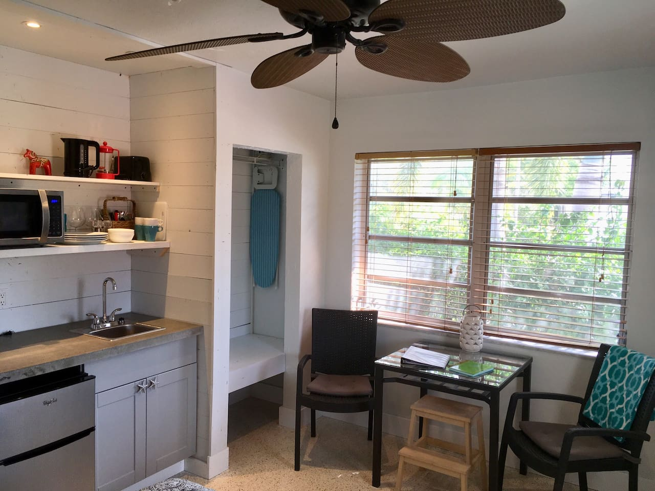 Private Studio with kitchenette and full bath