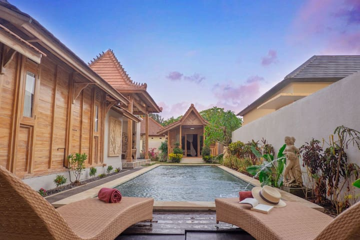 One Bedroom Joglo with Pool at Ubud Center