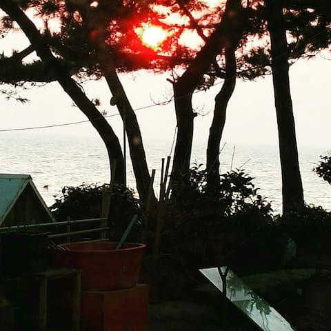 서해바다의 아름다운낙조를 감상할수있는 낙원팬션 - 고창군, 전라북도, KR - House