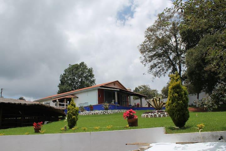 Cabañas el Pajar Rotamundos, Cabaña Matrimonial