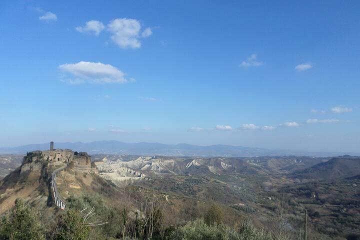 Civita di Bagnoregio e la Valle