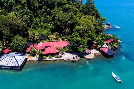 PRIVATE ISLAND RETREAT at Jemurok Island,Langkawi