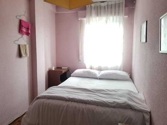 Madrid  Getafe家庭民宿,阳光2号房间,2人大床单间,