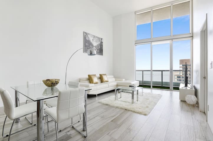 W Hotel- Ocean View [40th floor]