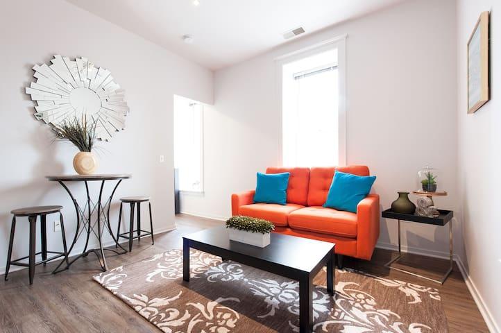 Sonder | Roosevelt Suites | Vibrant 1BR + Laundry