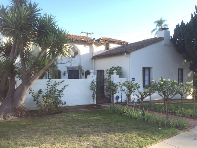 Mission and Mountain View—4br/3b