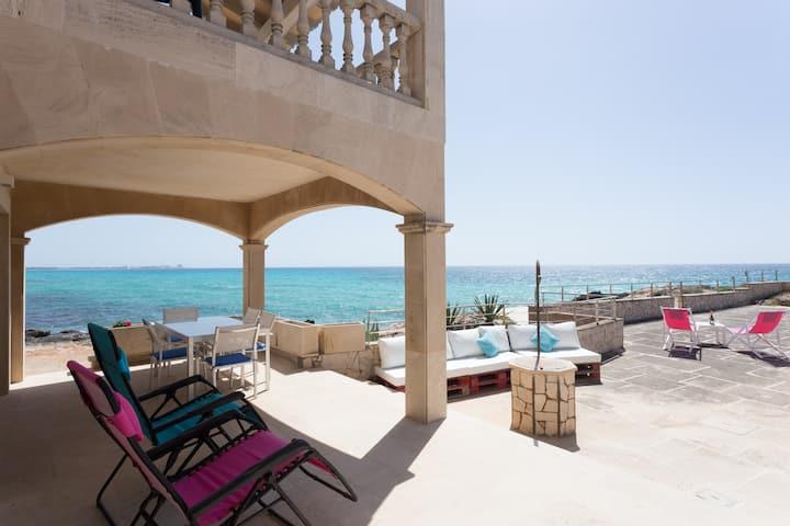 Casa con acceso directo al mar.