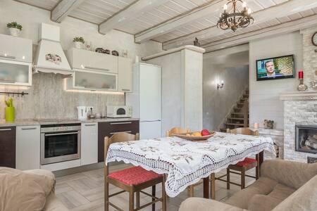 Красивый уютный домик в белоруской швейцарии.