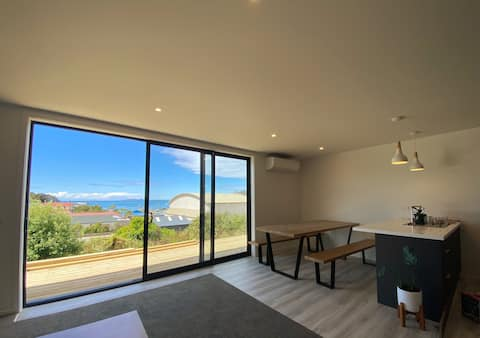 ARGYLE APARTMENT 3 • Stewart Island