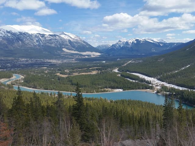 1 bedroom w/ ensuite downtown Canmore - Canmore - Apartment