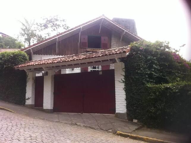 João's House B