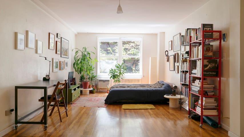 Main Room / Bedroom