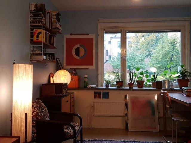 Mitt på populära Södermalm - Stockholm - Lägenhet