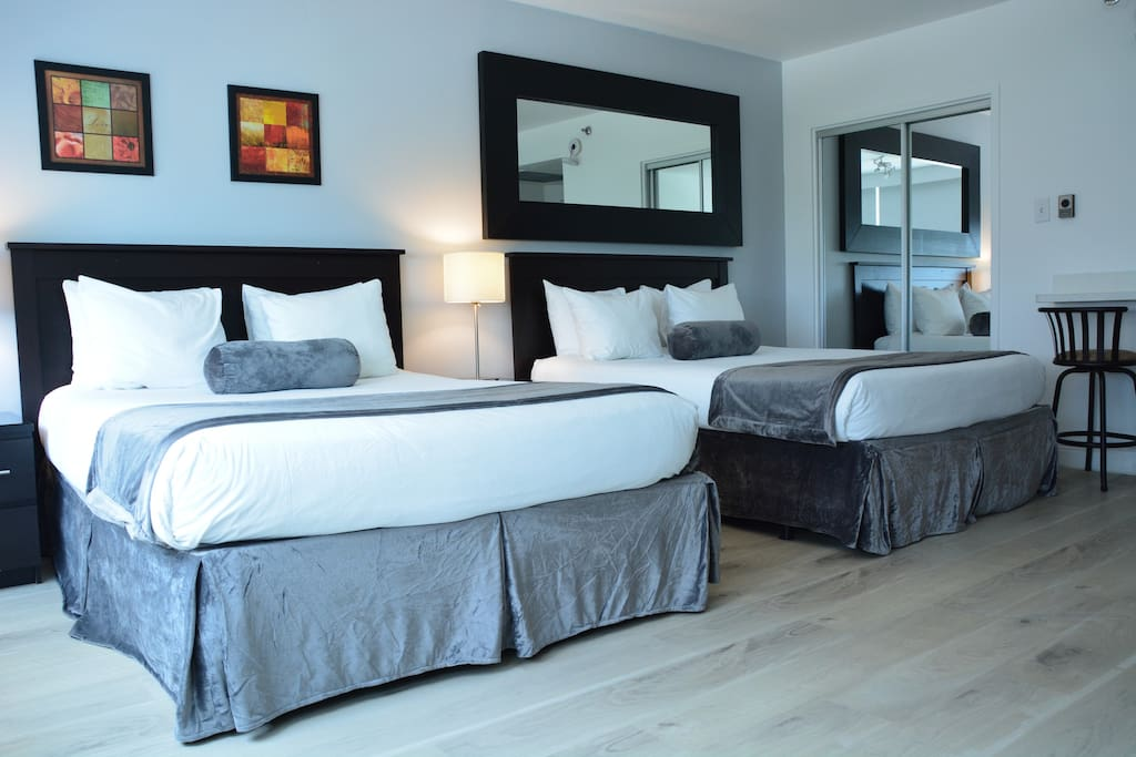 The 2 queen size beds!!!