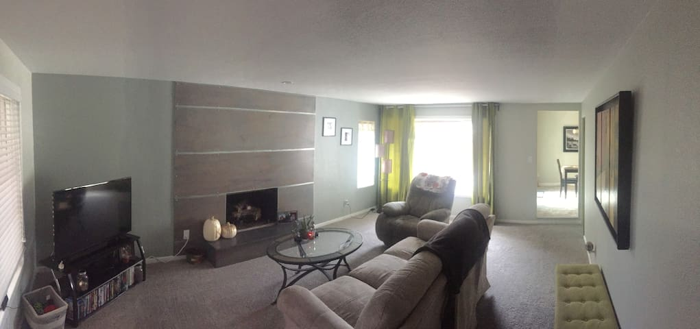 1 Bedroom Conveniently Located Close to Downtown
