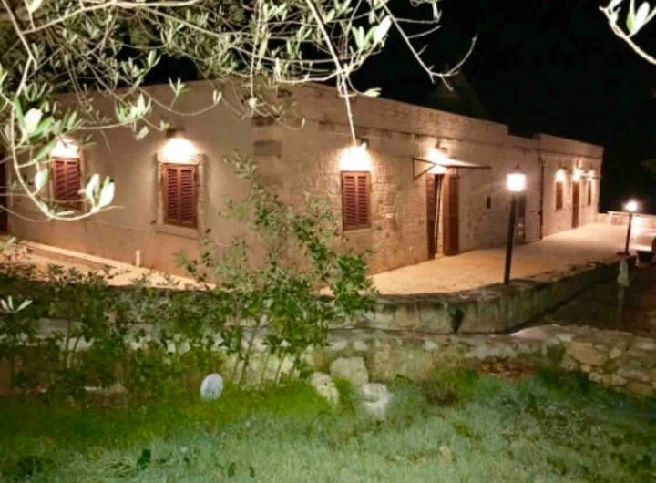 Villa Piccinni- New Home and Trulli sleeps 9